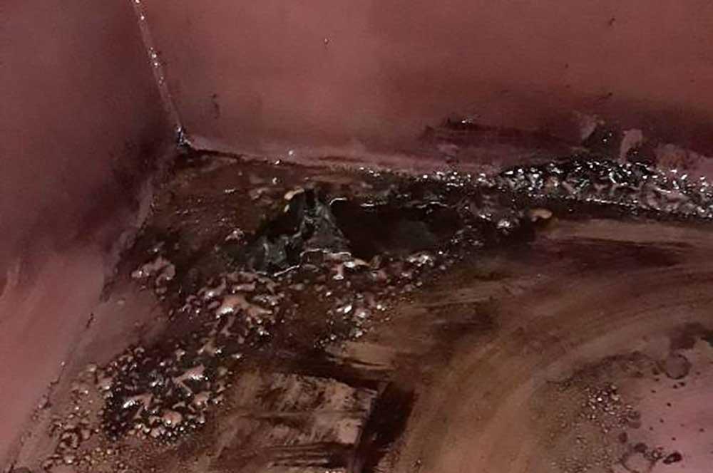 Stahltanks werden zusätzlich auf Korrosionserscheinungen geprüft