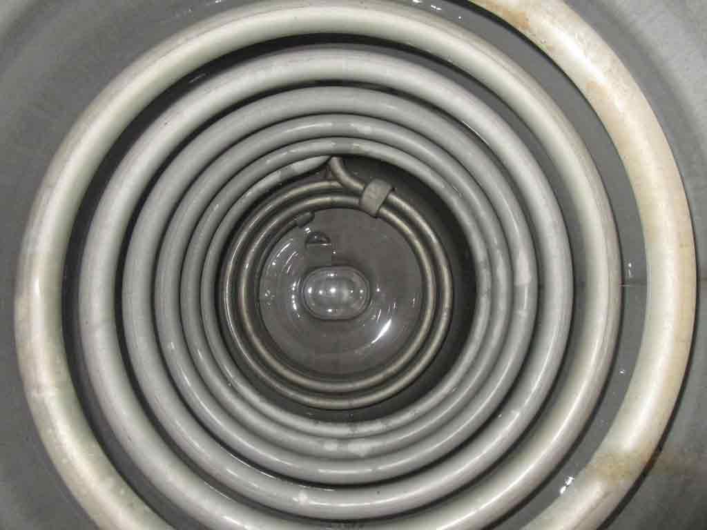Boilerentkalkung nachher: Regelmäßiges Entkalken der Heizschlangen spart Energie und sichert die Funktionsfähigkeit des Warmwasserboilers.